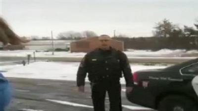 Raw Video: Police Officer Confronts TEA Party In Northern Illinois