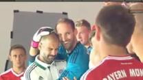 Bayern keeper whacks Pep in the face