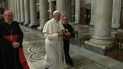 Raw: Pope Francis Privately Prays in Rome