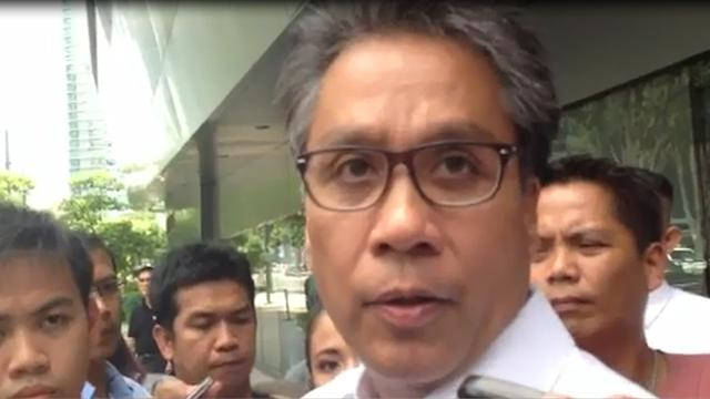 Roxas to developers: Comply or else...