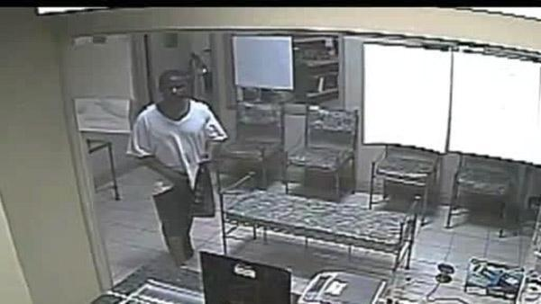 Man steals wallet from 81-year-old woman