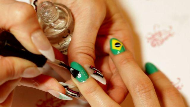 Allure Insiders - Recreate the Brazilian Flag on Your Nails
