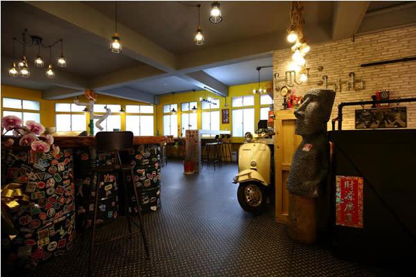 蜂巢膠囊旅店充滿特色的環境可愛又有趣。(圖片來源/蜂巢膠囊旅店)