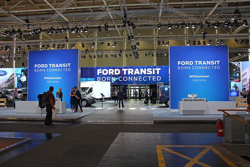 在歐洲同樣叱吒車壇的Ford商用車部門,也佔了整座展館的大半。