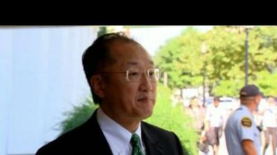 New World Bank chief starts first day at work