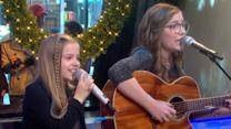 'GMA' Play of the Day: Maisy and Lennon Stella Spread Holiday Cheer