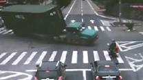 Scooter Rider Has Incredible Luck