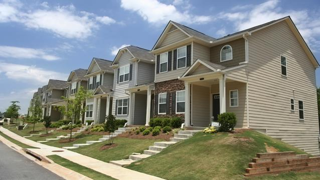 More Poor People Now Are Living in Suburbs Than Cities: Brookings