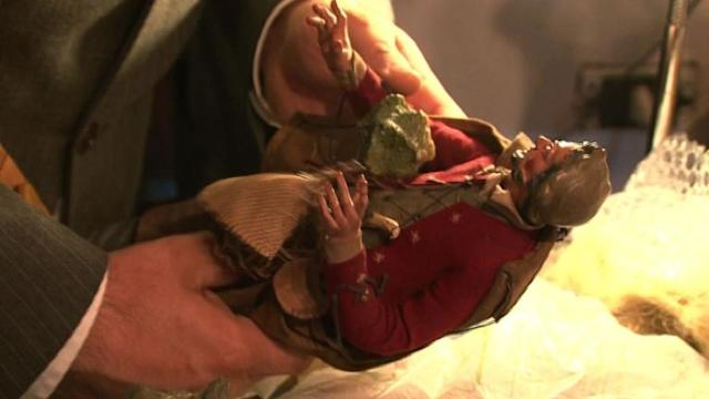 Pope's social message inspires Naples Nativity artists