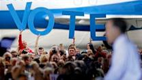 Obama, Romney pursue last votes in close race