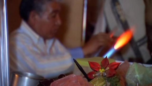 Christmas decorations get personal touch in Mexican town