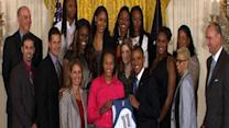 Obama welcomes WNBA champion Lynx to White House