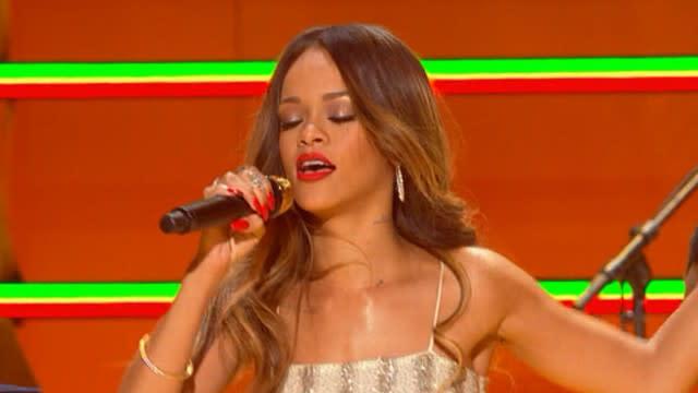 Grammys 2013 Highlights: Bruno Mars, Rihanna Generate Buzz
