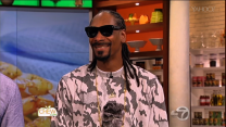 Snoop Dogg Drizzles, Sips Gin & Juice on 'The Chew'