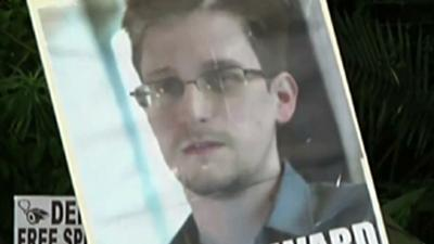 Rally Supporting Edward Snowden Draws Hundreds