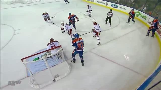 David Perron puts it home in front of Smith