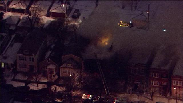 Apartment fire breaks out in Cicero near massive warehouse fire