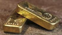 Gold Bounces Up as Investors Look for Safety