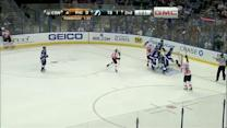Giroux's nifty dish leads to a Simmonds goal
