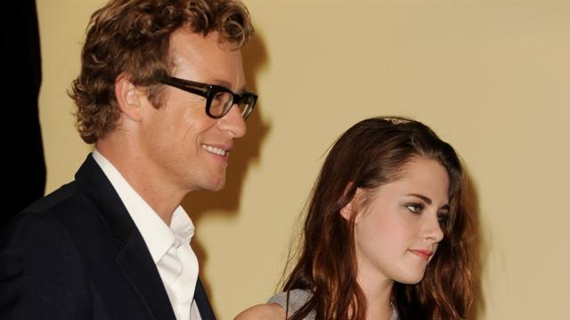 Kristen Stewart, Simon Baker announce award for Foster