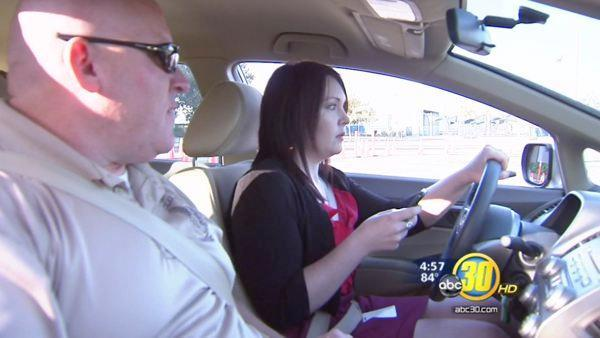 Clovis PD gives crash course on texting and driving