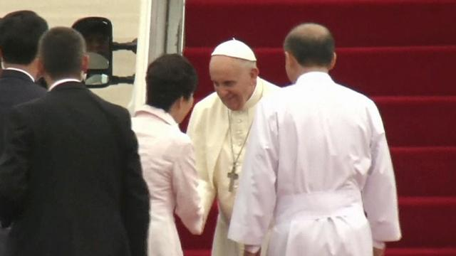 Pope Francis pays historic visit to South Korea, sends telegram to China