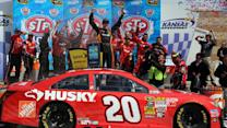 Kenseth goes back-to-back at Kansas