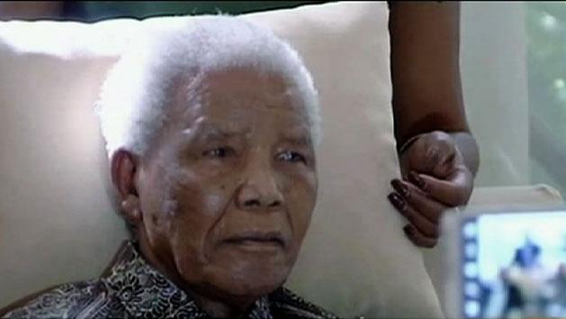 Family prays for Nelson Mandela