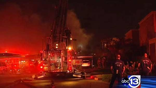 Apartment fire destroys 16 units in NW Houston