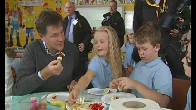Clegg announces free school meals plan