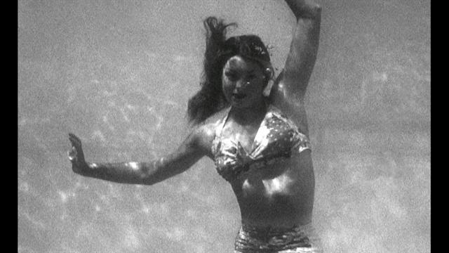 Esther Williams, swimmer and Hollywood starlet dies at 91