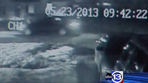 Video shows person of interest in Cy-Fair area arson