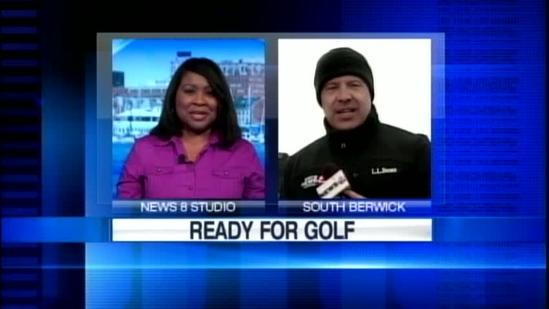 Cold weather doesn't deter golfers