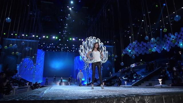 Victoria's Secret Fashion Show 2011 - Show Rehearsals