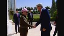 Kerry urges Kurds to save Iraq from collapse