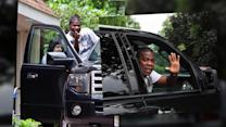 Tracy Morgan Spotted In New York City Using A Walker