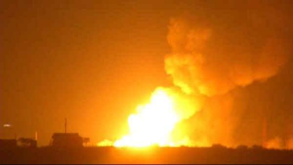 Raw video of oil rig explosion, fire in Texas