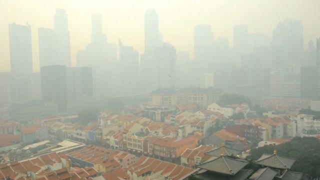 Singapore demands action from Indonesia on smog