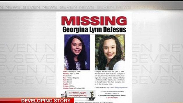 Missing teens found alive a decade on
