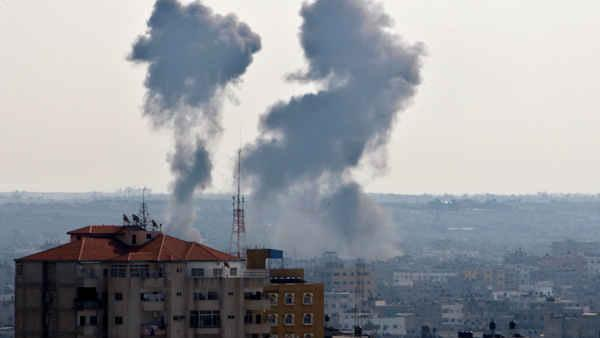 Hamas targets Tel Aviv as part of rocket barrage