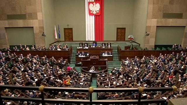 Polish Prime Minister wins confidence vote despite tapes scandal
