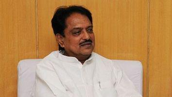 Vilasrao Deshmukh on life support