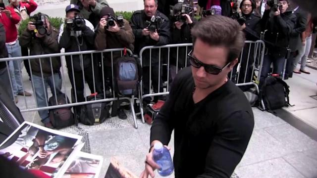 Mark Wahlberg Looks Somber at Pain & Gain Premiere, Hours After Boston Marathon Attacks
