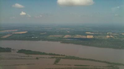 WAPT Flies Over Flooded Miss. River