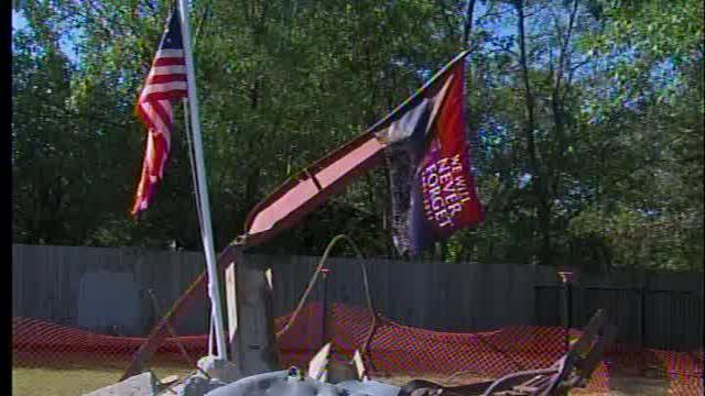 Vietnam Memorial replica honors soldiers