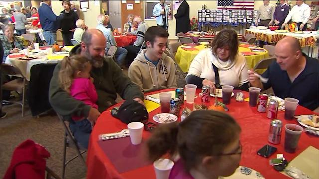 Tornado victims of Washington IL share Thanksgiving meal