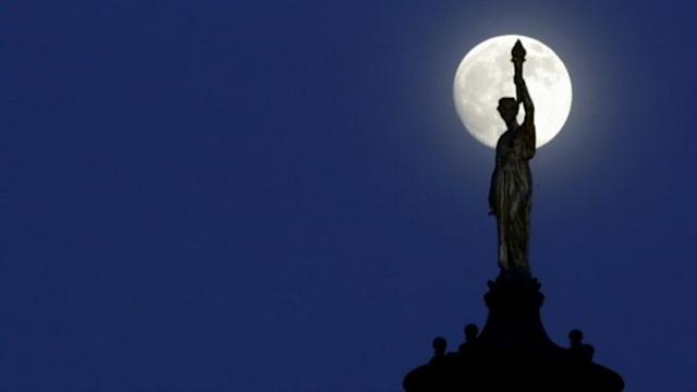 'Supermoon' Shines a Bit Brighter in Tonight's Sky