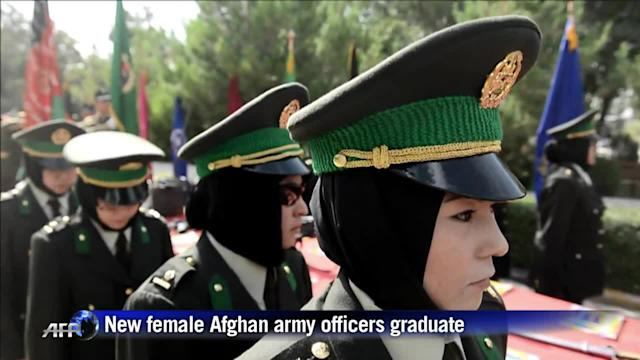 New female Afghan army officers graduate