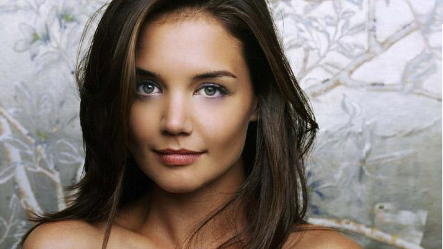 Katie Holmes One Year After The Divorce