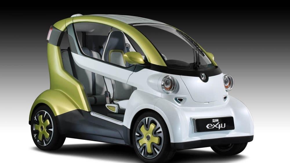 三陽ex4U的外型設計具有未來都會感,全車以friendly cute為設計概念,白與蘋果綠的雙色搭配活潑亮眼,給人耳目一新的感受。